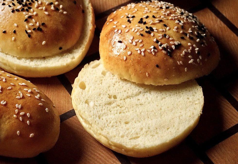 Das perfekte Hamburger Brötchen, das nicht satt macht