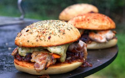 Herbstlicher Kachelfleisch Burger mit Pfifferlingen