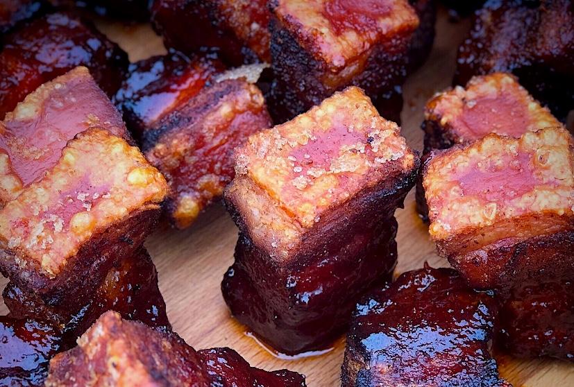 KrustenHappen – eine Mischung aus Krustenbraten vom Schweinebauch und Pork Belly Burnt Ends