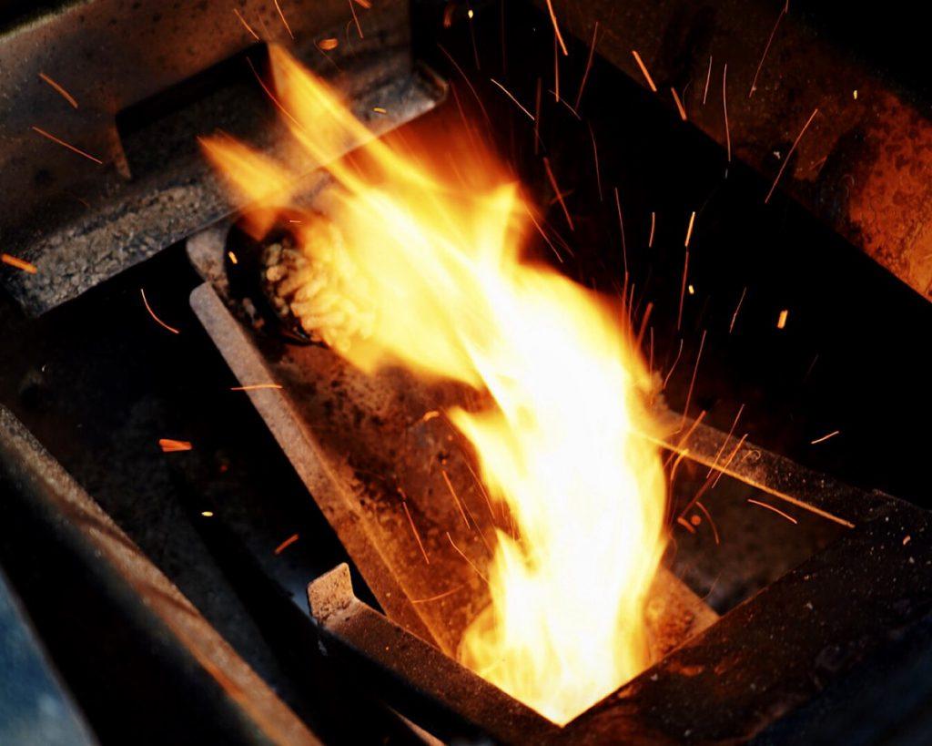 Weber SmokeFire - Feuer im Pellettopf